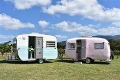 When Annie met Betty 💙🌸 1977 York Caravan and 1964 Sunliner Vintage Caravans, Vintage Travel Trailers, Vintage Campers, Caravan Bar, Retro Caravan, Caravan Makeover, Caravan Renovation, Old Campers, Pink Vans