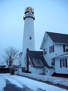 Fenwick Island Light, Delaware, USA spent many summers a block from this light. Fenwick Island, Beacon Of Light, Delaware Usa, Delaware Beach, Island Lighting, Vacation Places, Ocean City, Windmill, East Coast