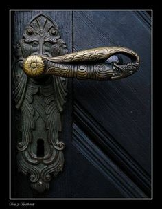 Medieval door handle: Photo by Photographer Phillipp J. - Medieval door handle: Photo by Photographer Phillipp J.