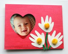 Mothers Day Crafts For Kids - Craft Play Learn Easy Mother's Day Crafts, Crafts For 2 Year Olds, Mothers Day Crafts For Kids, Diy Mothers Day Gifts, Fun Crafts For Kids, Preschool Crafts, Crafts Cheap, Grandma Gifts, Baby Handprint Crafts