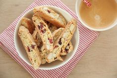 Biscotti Christmas Interiors, Edible Gifts, Biscuit Recipe, Bake Sale, Biscotti, French Toast, Recipies, Yummy Food, Sweets