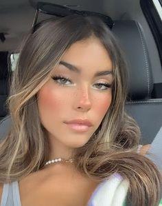 Natural Everyday Makeup, Natural Makeup Looks, No Makeup Looks, Chanel Makeup Looks, Makeup Looks Everyday, Hair Inspo, Hair Inspiration, Madison Beer Hair, Madison Beer Makeup