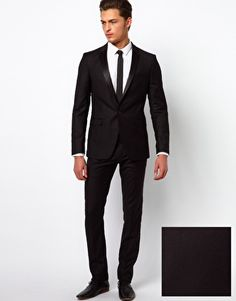 love the clean all black suit & skinny tie | Groomsmen and Groom