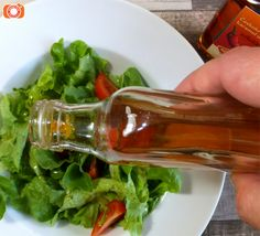 salát s chilli karamelem