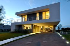 Cabo House Más info: http://www.vanguardaarchitects.com/what-we-do.php?sec=house&project=115 #Architecture #Design #Arquitectura #Disenio #Casas #Houses #Fachada