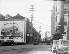 Intersection des rues de la Couronne et St-Vallier est, à Québec, 10 octobre 1929. Archives de la Ville de Québec, N017642 Chute Montmorency, Chateau Frontenac, Le Petit Champlain, Canada, Saint Jean, Quebec City, Vintage Pictures, Images, Street View