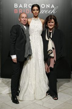 La de este vestido de #novia de @marcoymaria es una historia que parece de película. #barcelonabridalweek #bodas #vestidosdenovia #novias