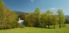 Places to go in the Smoky Mountains National Park - #smokymountains #cadescove