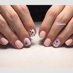 This an ideal manicure for International Women's Day. It emphasizes great your romantic mood. The short square nails are the