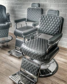 "35 Likes, 2 Comments - Cachet Royal (@cachetroyal) on Instagram: ""Diverse modellen in onze showroom #barber #barberchair #salon #salonchair #kapper…"""