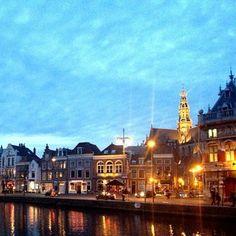 Haarlem by night. Pretty! #haarlem #avondglorie #spaarne