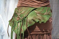 Elf Filz Gürtel / Pocket in Forest grün Merinowolle von SolMundoArt
