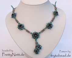 Necklace beaded by PrettyNett.de
