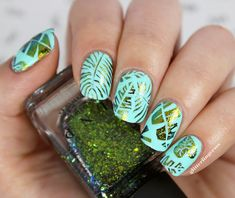 palm leaves tropical nail art 01