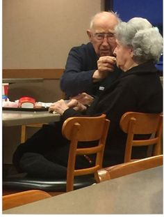 A touching photo of an elderly man (pictured) feeding his wife, who is suffering from Alzheimer's, at a Wendy's on their date night is proof that love is everlasting Old Couples, Couples In Love, Elderly Couples, Mature Couples, Unconditional Love Meaning, Grow Old With Me, Growing Old Together, Old Folks, Elderly Man