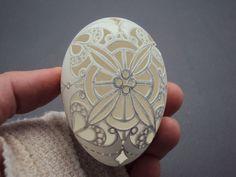 by Laura J Schiller Carved Eggs, Art Carved, Easter Egg Crafts, Easter Eggs, Egg Shell Art, Egg Tree, Bone Carving, Indigenous Art, Egg Decorating
