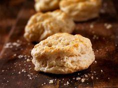 Verzichtettrotz Diät oder Low Carbnicht auf leckereLow Carb Kekse! Wir empfehlen euch diese kohlenhydratarmen Protein-Cookies mit Haferflocken und Zimtund viele weitere leckere Proteinplätzchen.