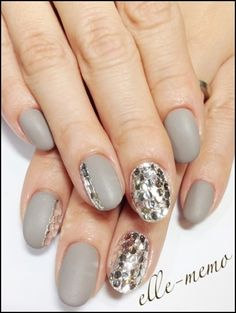 I like but square, and only ring finger with the sparkles