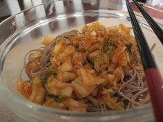 Kimchi & Noodles By Food Babe Sprout Recipes, Veggie Recipes, Real Food Recipes, Cooking Recipes, Healthy Living Recipes, Easy Healthy Recipes, Healthy Dishes, Kimchi Noodles, Rice Noodles