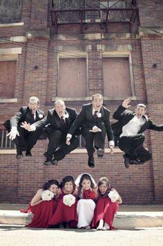 fun wedding photo idea - groomsmen jumping over bridesmaids