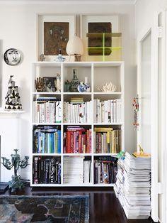 Miranda Skoczek's Melbourne Apartment via The Design Files - Living Room Collection Eames, Dorm Room Storage, Sweet Home, Hill Interiors, Melbourne House, Home Libraries, The Design Files, Australian Homes, My Living Room