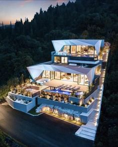 What do you think of this incredible luxury villa on the island of Korcula in Croatia? Dream Home Design, Modern House Design, Millionaire Homes, Millionaire Lifestyle, Dream Mansion, Luxury Homes Dream Houses, Modern Mansion, Beautiful Villas, Dream House Exterior