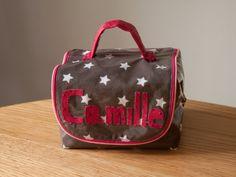 Pour ce nouveau rendez-vous des défis du fil organisé par Stella du blog «Mes petites (ré)créations» j'ai choisi le thème optionnel «Dans le sac&raqu…
