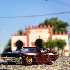 #dodge #dodgechallenger en frente de la #portadadeferia #feriadelsanto #feriadelsanto2016 de #montilla #montillaenferia #juliofestivo #hw #hotwheels #diecastcar #diecast #hotwheelscollector #hotwheelsdaily #hotwheelspics #hotwheelsrepost #hotwheelsspain #diecastcars #diecastpics #miniaturas #cochecito #cartoys #twitter #ajrhw #wheels #diecastphoto #diecastphotography
