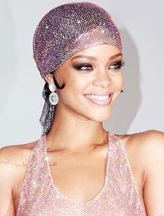 A roundup of the week's most stunning celebrity beauty looks // #Rihanna #CDFAAwards
