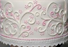 cake piping templates wedding cakes with elegant piping romantic wedding cake that makes me want to get married cake piping decorations pattern Cake Decorating Techniques, Cake Decorating Tutorials, Cookie Decorating, Bolo Russo, Piping Design, Frosting Techniques, Frosting Tips, Cake Borders, Cake Piping