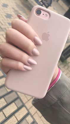 Nackte rosa Nägel 🌸💗 – 𝕰𝕸𝕽𝕰 – Join the world of pin Cute Phone Cases, Iphone Phone Cases, Iphone Case Covers, Pink Iphone, Iphone Seven Cases, Mac Book, Iphone 7 Plus Rose, Capas Iphone 6, Aesthetic Phone Case