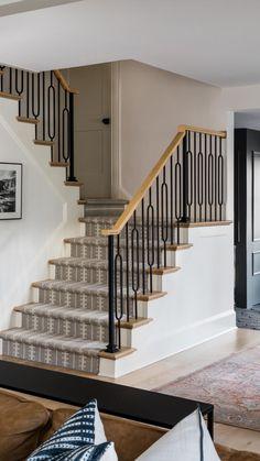 Staircase Railing Design, Interior Stair Railing, Modern Stair Railing, Home Stairs Design, Staircase Makeover, Modern Stairs, House Design, Railings For Stairs, Staircase Design Modern