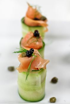 healthy foodie - Smoked Salmon and Cream Cheese Cucumber Rolls Seafood Recipes, Appetizer Recipes, Cooking Recipes, Healthy Snacks, Healthy Eating, Healthy Recipes, Cucumber Roll Ups, Cucumber Bites, Roll Ups Recipes