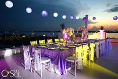 Gorgeous table set up at Le Blanc Resort in Cancun for a destination wedding.   Mexico wedding photographers Del Sol Photography