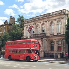 Spotted! Old style #wedding #routemaster waiting outside Bromley By Bow townhall. #londonwedding #saturdaywedding #weddinginspiration #weddingstyle #citywedding http://ift.tt/1ghk5yI