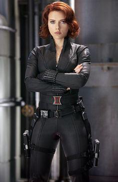 scarlett johansson the avengers  | Ew! Scarlett Johansson Compares The Avengers Catsuit to Sweaty Pajamas ...