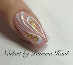 Love this hand drawn nail art New Year's Nails, Love Nails, Pretty Nails, Cute Easy Nail Designs, Nail Art Designs, Nagel Bling, Cute Simple Nails, Modern Nails, Nagel Gel