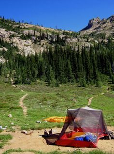 Six easy ways to lighten your tent for backpacking. Great ideas here for conventional backpacking tents. Camping Glamping, Camping And Hiking, Camping Survival, Hiking Trips, Outdoor Fun, Outdoor Camping, Outdoor Travel, Ultralight Tent, The Great Outdoors