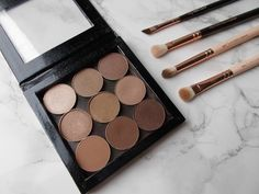 Small Z Palette with Makeup Geek Eyeshadows: Beaches and Cream, Creme Brulee, Frappe, Latte, Peach Smoothie, Shimma Shimma ($50.99 + $2.99 shipping)