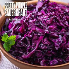 Hot Detox Pretty Purple Sauerkraut Primal Recipes, Raw Food Recipes, Healthy Recipes, Healthy Gourmet, Healthy Eating, Rabbit Food, Detox Soup, Fermented Foods