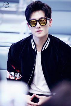 yang yang😍looking damn good Yang Wei, Yang Yang Actor, Wei Wei, Dramas, Lee Joo Young, Yang Chinese, Man Japan, The Dream, Asian Celebrities