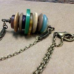Vintage button necklace                                                                                                                                                                                 Mais