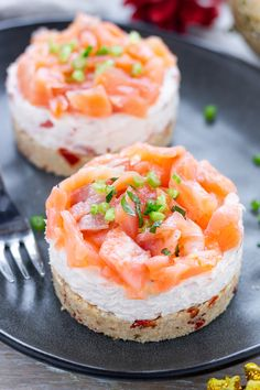 Salmon cheesecake, quick recipe ready in 10 minutes - Salmon cheesecake, quick recipe ready in 10 minutes The Effective Pictures We Offer You About keto - Finger Food Appetizers, Appetizer Recipes, Quick Recipes, Cooking Recipes, Savory Cheesecake, Brunch, Salty Foods, Xmas Food, Dessert Drinks