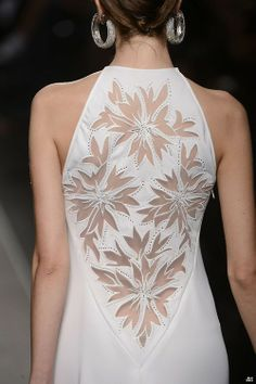 Renato Balestra HOUTE COUTURE SPRING/SUMMER 2013 Renato Balestra High Fashion Haute Couture featured fashion Simple but elegant and beautiful. Couture Mode, Couture Fashion, Runway Fashion, Spring Fashion, Womens Fashion, Fashion Fashion, Trendy Fashion, Fashion Models, Fashion Outfits