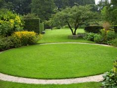 Mien ruys landscape mood board circular lawn, garden и sunke Small Garden Design, Garden Landscape Design, Back Gardens, Outdoor Gardens, Circular Lawn, Lawn Edging, Home Landscaping, Contemporary Garden, Prado
