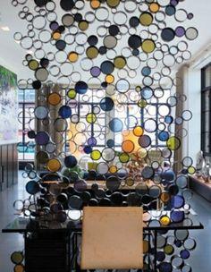 superbe cloison cercles verre coloré