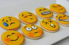Emojii icons cookies !                    My aunt makes them ✨