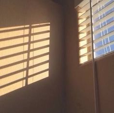 Image about aesthetic in P I C T U R E by *°~Sehun's waifu~°* Cream Aesthetic, Aesthetic Light, Brown Aesthetic, Aesthetic Photo, Aesthetic Pictures, Character Aesthetic, Aesthetic Art, Sun Blinds, Light And Shadow
