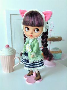 Blythe dress: Kitty girl by Lilleprincesse on Etsy