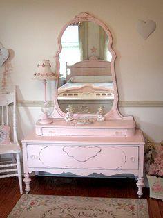 Elegant Pink Antique Vanity with Mirror